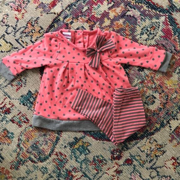 Pink and gray stylish sweatshirt set.